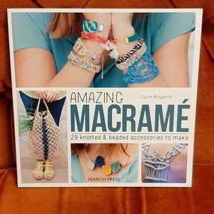 Amazing Macramé Project Book